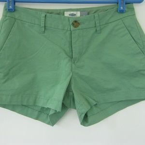 Old Navy Women's Green Chino Shorts Size 0